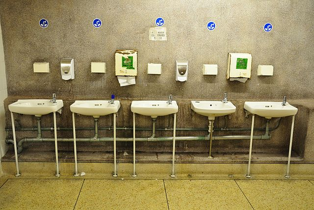 5 effective steps to stop restroom germs